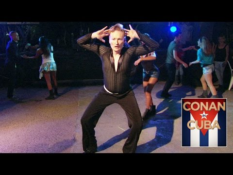 Conan O'Brian goes in Cuba and learns Salsa dance